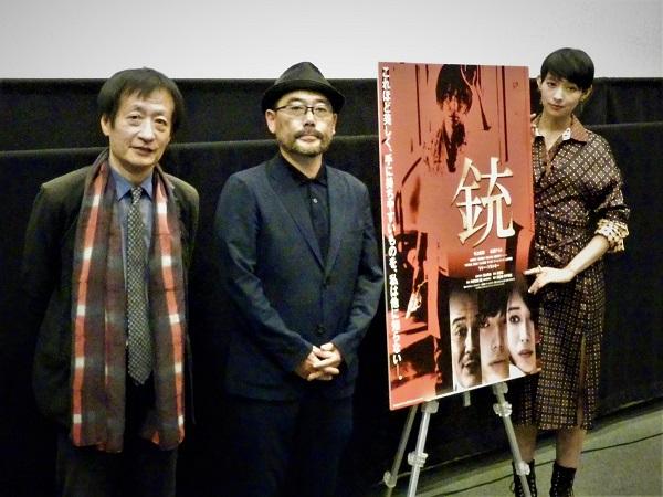 左から奥山和由プロデューサー、武正晴監督、日南響子さん